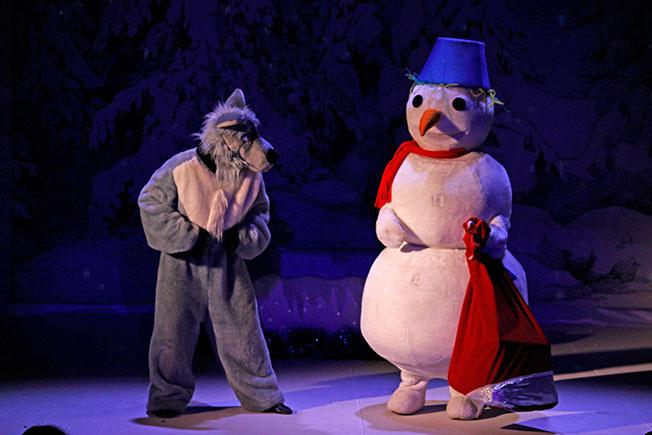 Приключения Снеговика в новогоднем сказочном лесу
