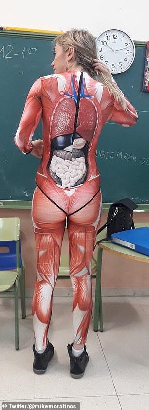 Уроки анатомии учительница