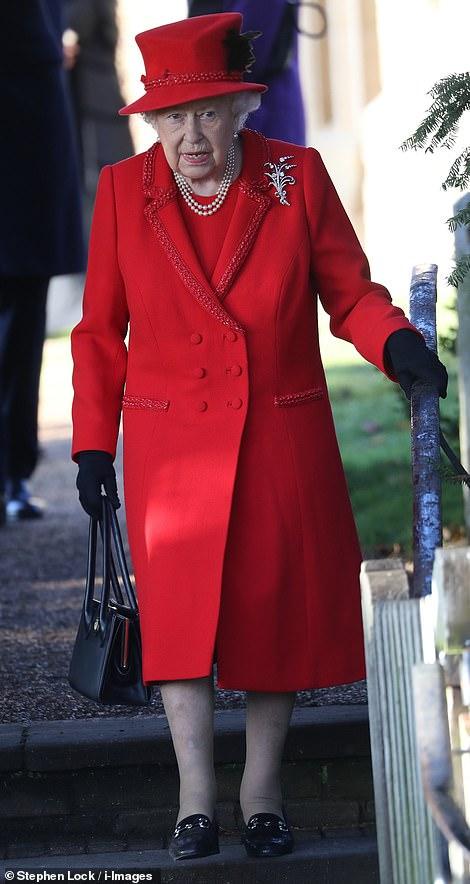 Королева Елизавета 2 наряды рождество