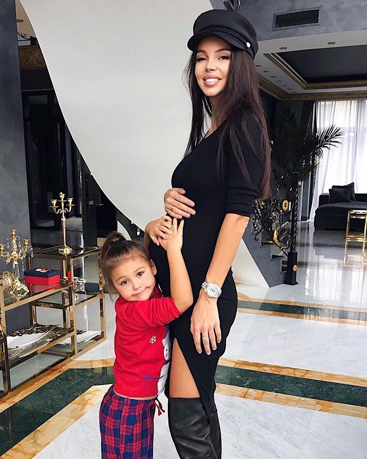 Жена Джигана Оксана Самойлова беременный живот
