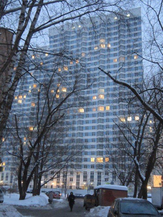 И зажигает город свои этажи.... Блиц: полосы