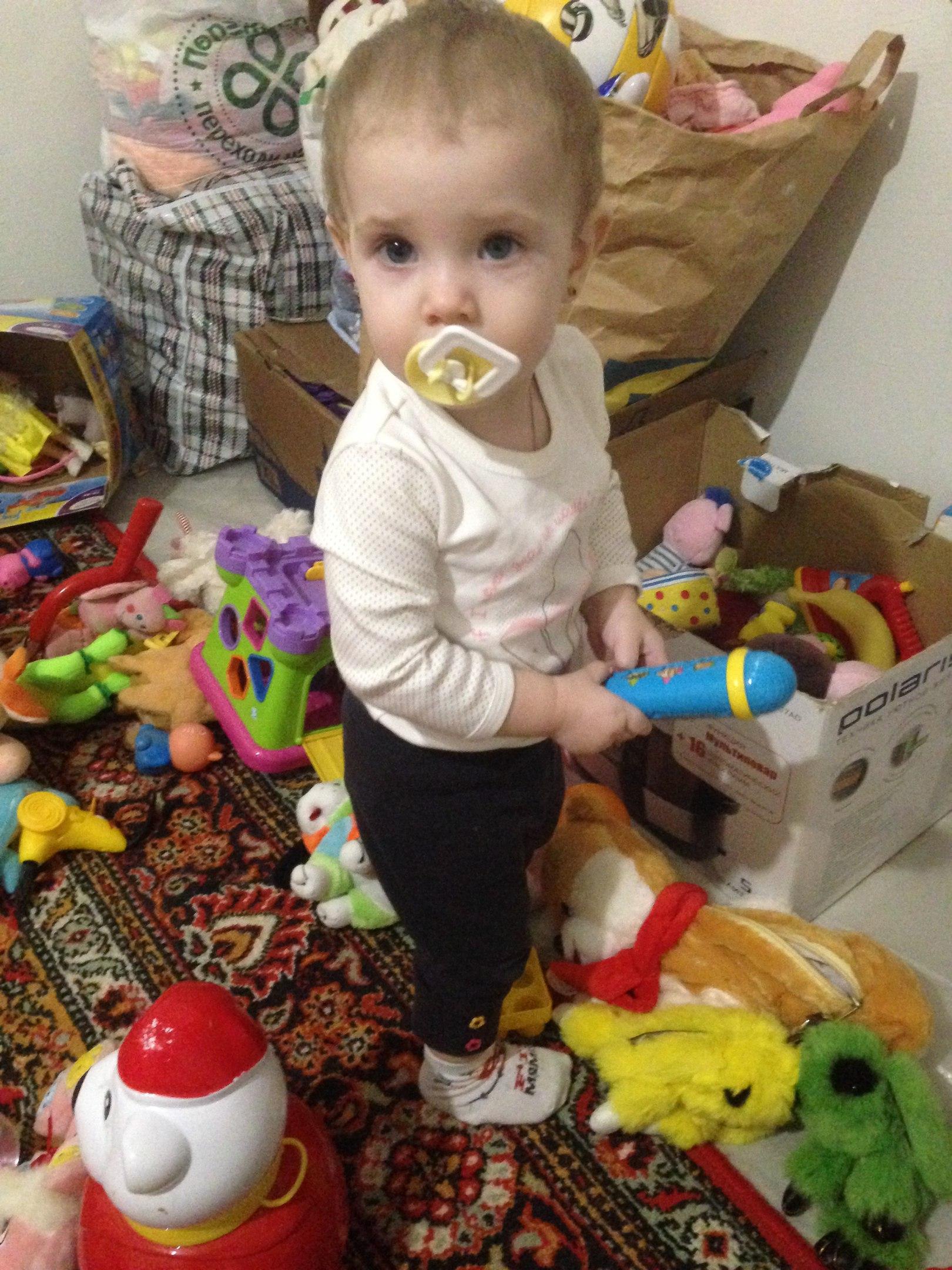 Много много игрушек в моем мире . Учимся, играя