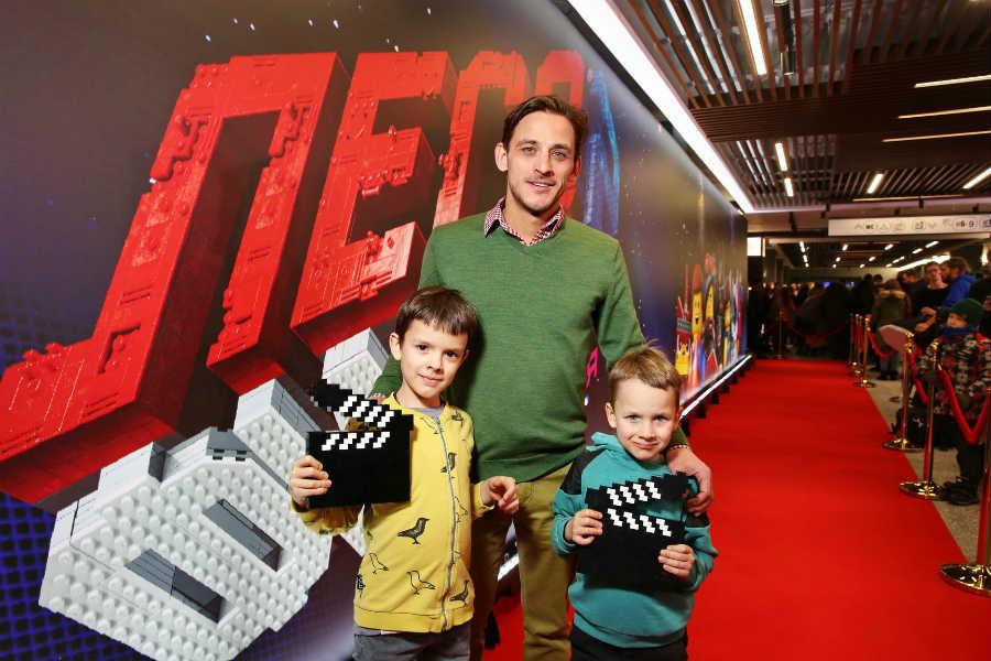 Михаил Башкатов с детьми