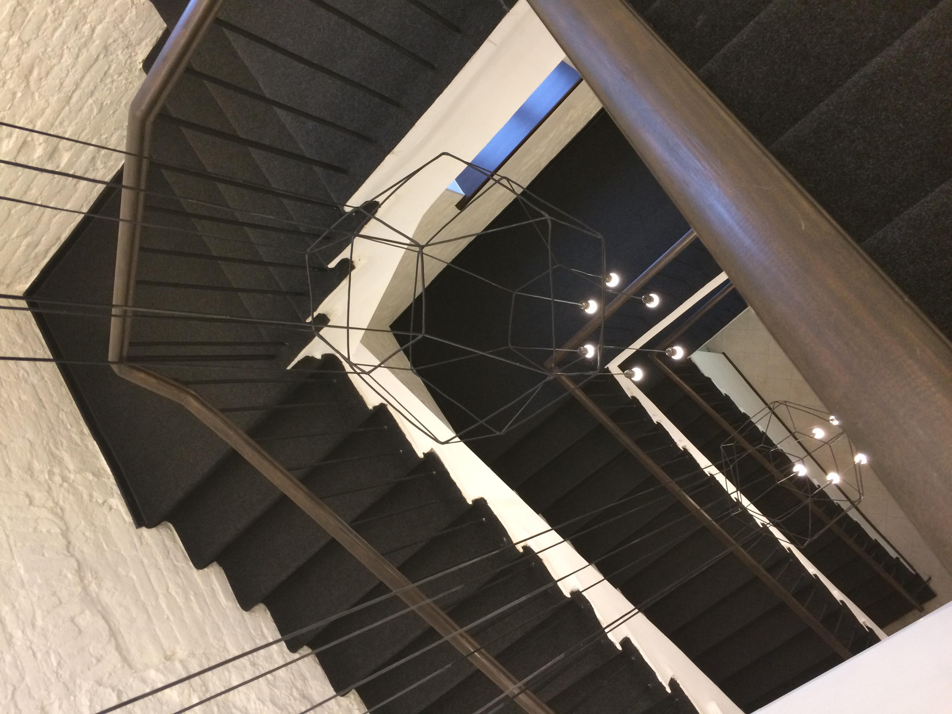чёрная-чёрная лестница.... Блиц: лестницы