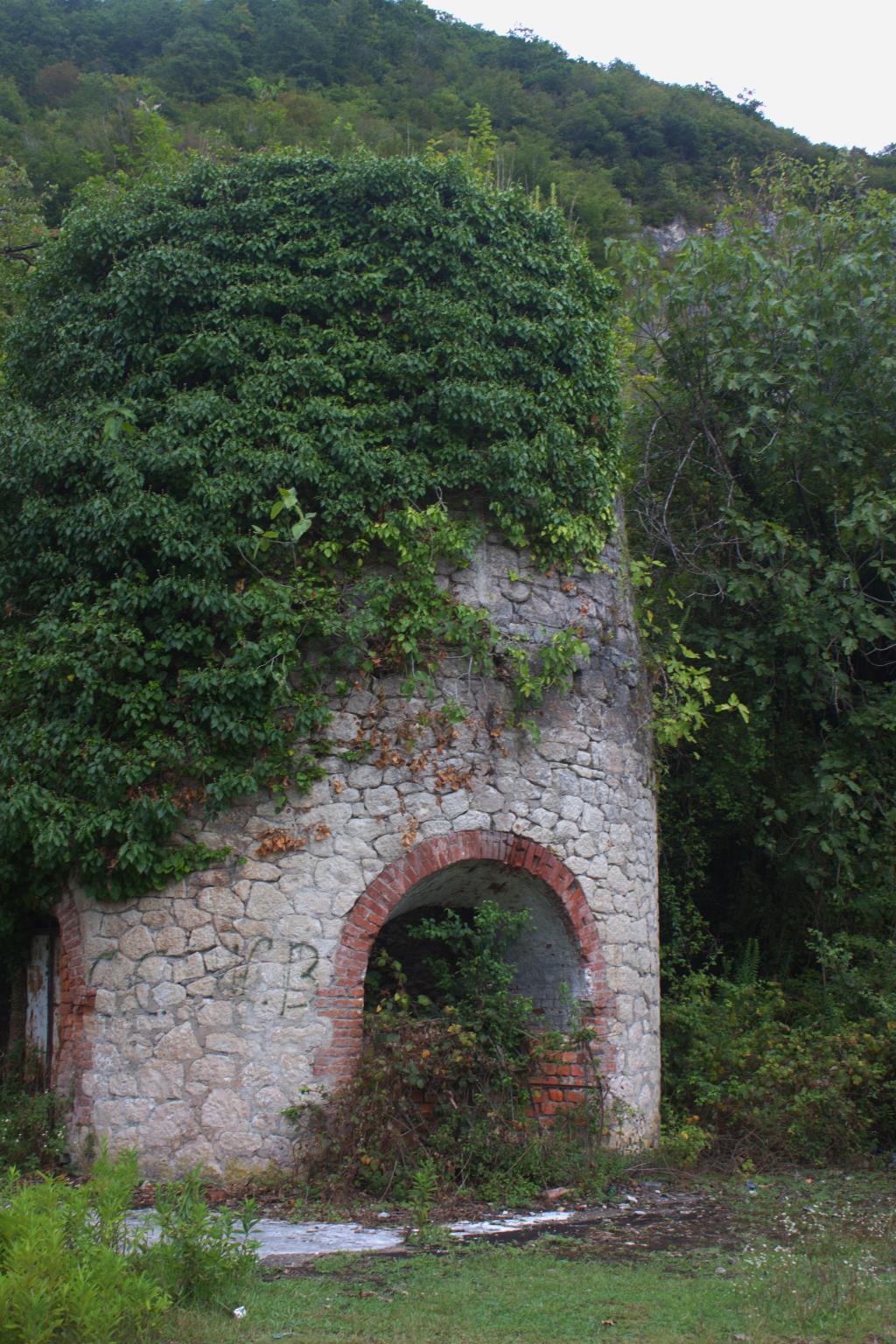 Старая крепость в Абхазии. Блиц: башни