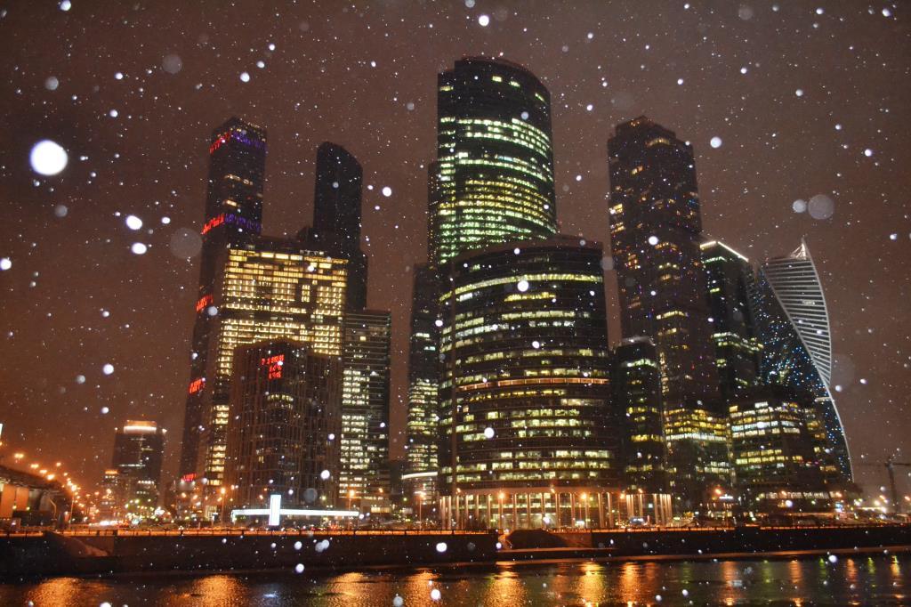 Мартовский снег в Москва-сити). Блиц: март