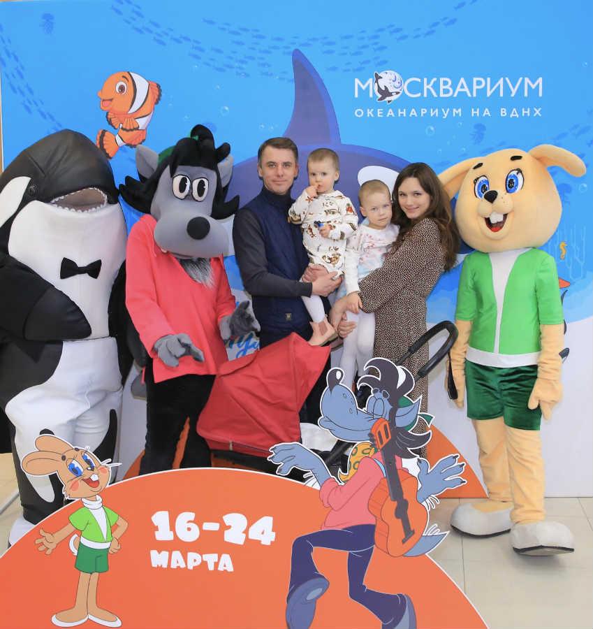 Игорь Петренко с женой и детьми