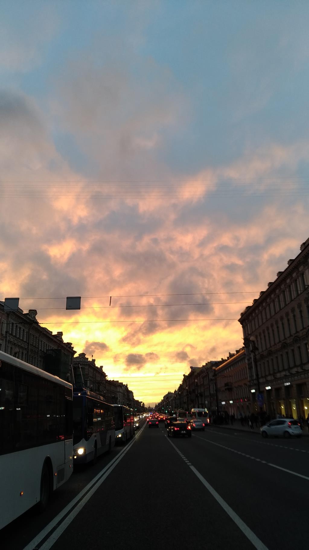 Невский проспект зовет в закат.... Блиц: улицы