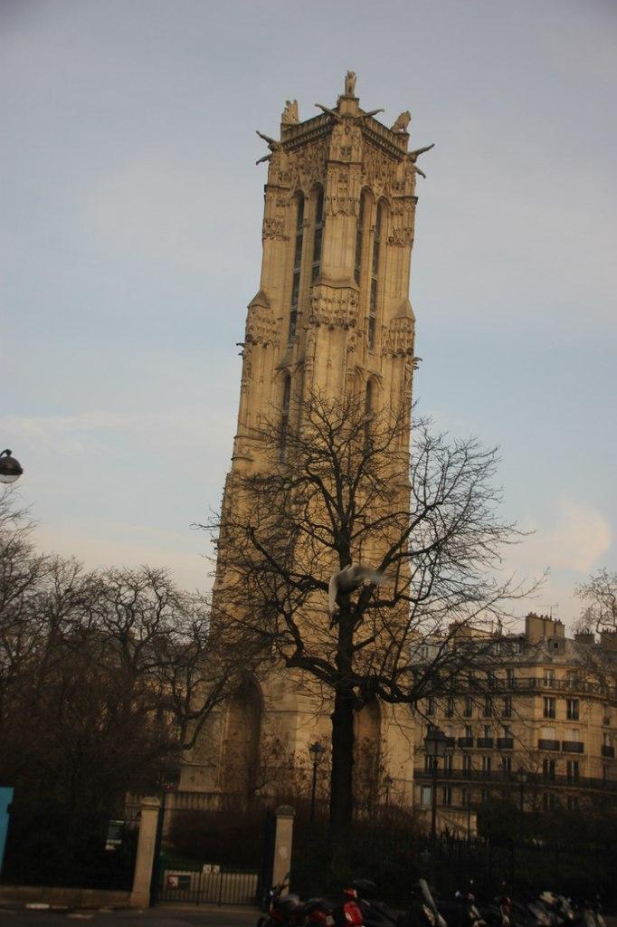 Париж. Блиц: башни