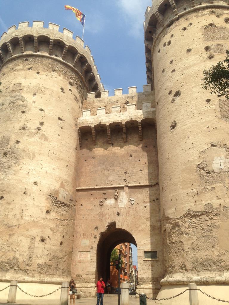 Башни Торрес де Кварт XV век. Блиц: башни
