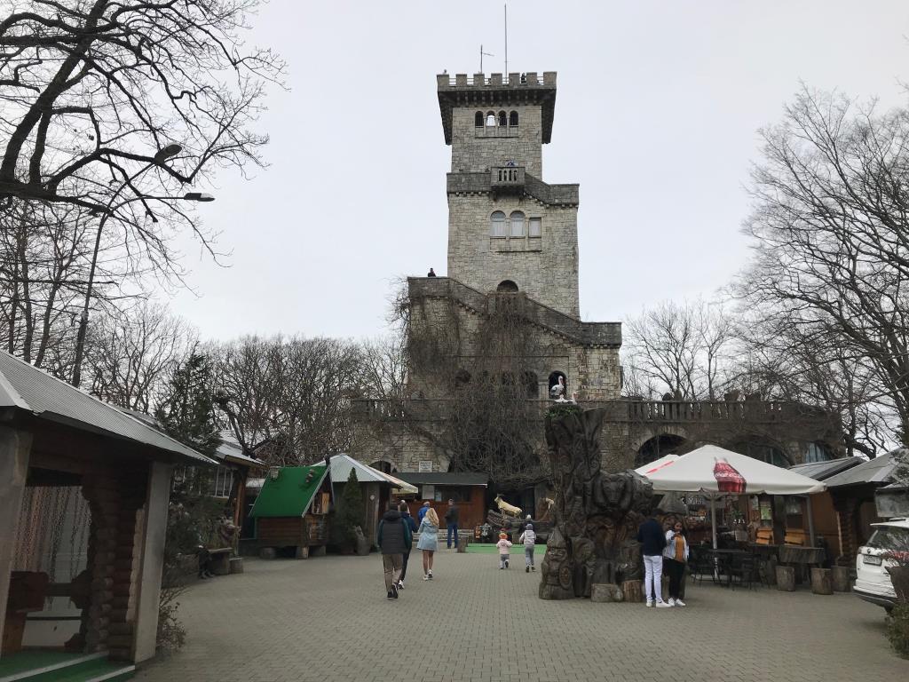 Смотровая Башня на горе АХУН . Блиц: башни