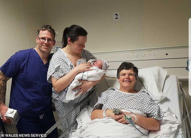 Бабушка родила внука