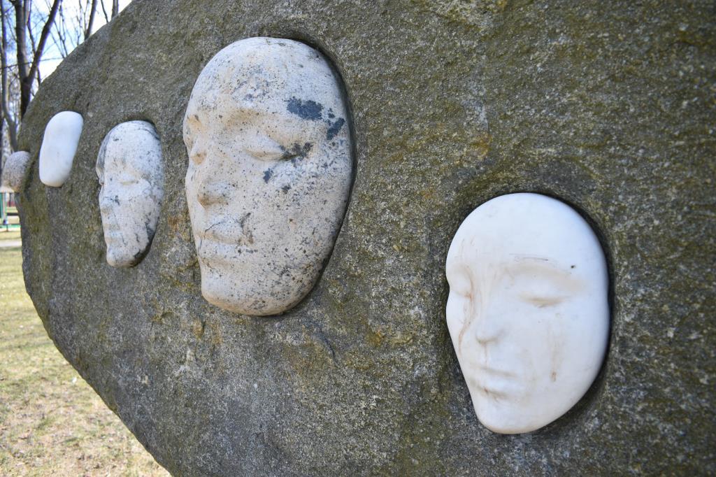 Каменное безмолвие. Блиц: камни