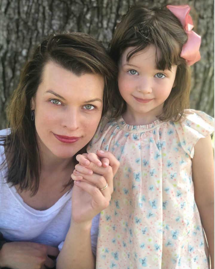 Мила Йовович дочь младшая
