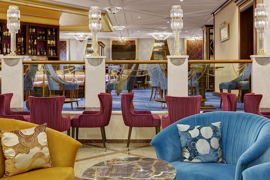 Лобби бар отеля Марриот Аврора