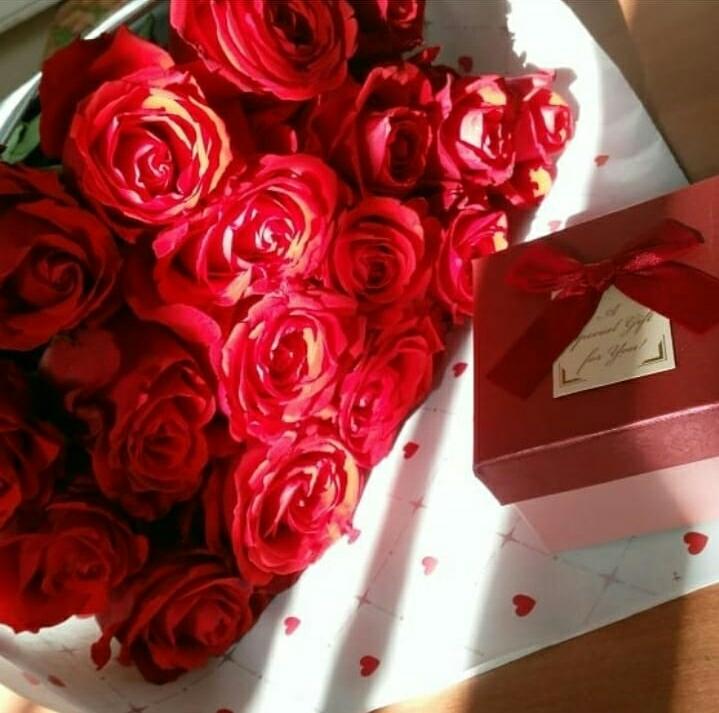 :). Блиц: красные цветы