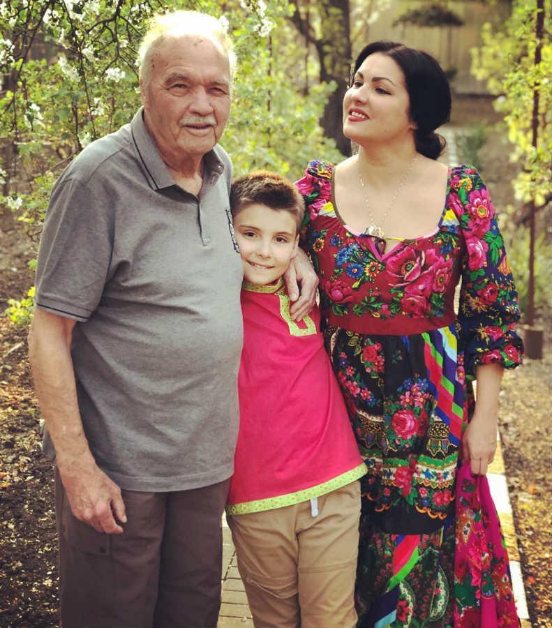 Анна Нетребко сын отец