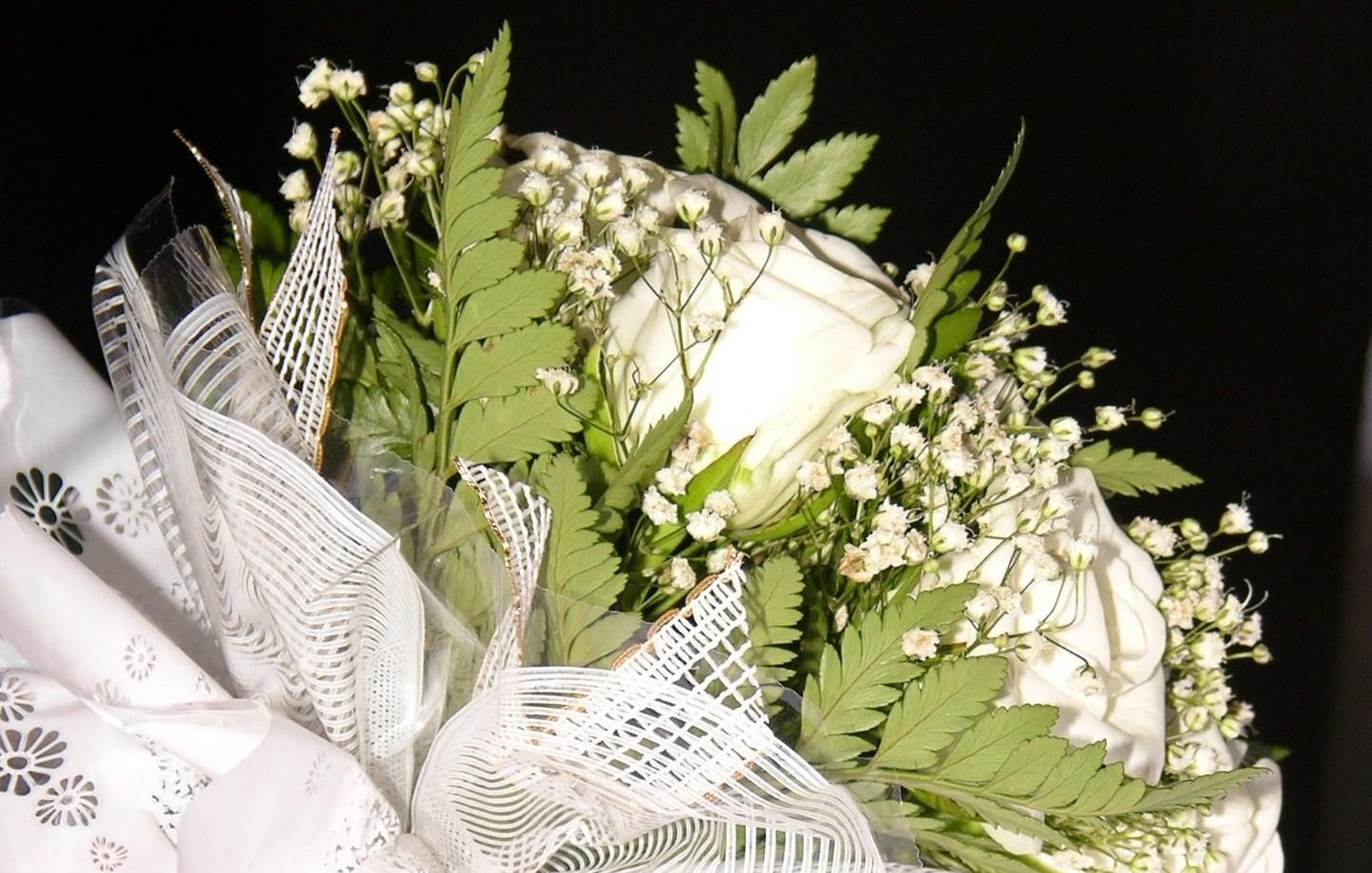 Букет невесты из 2005 года. Блиц: белые цветы