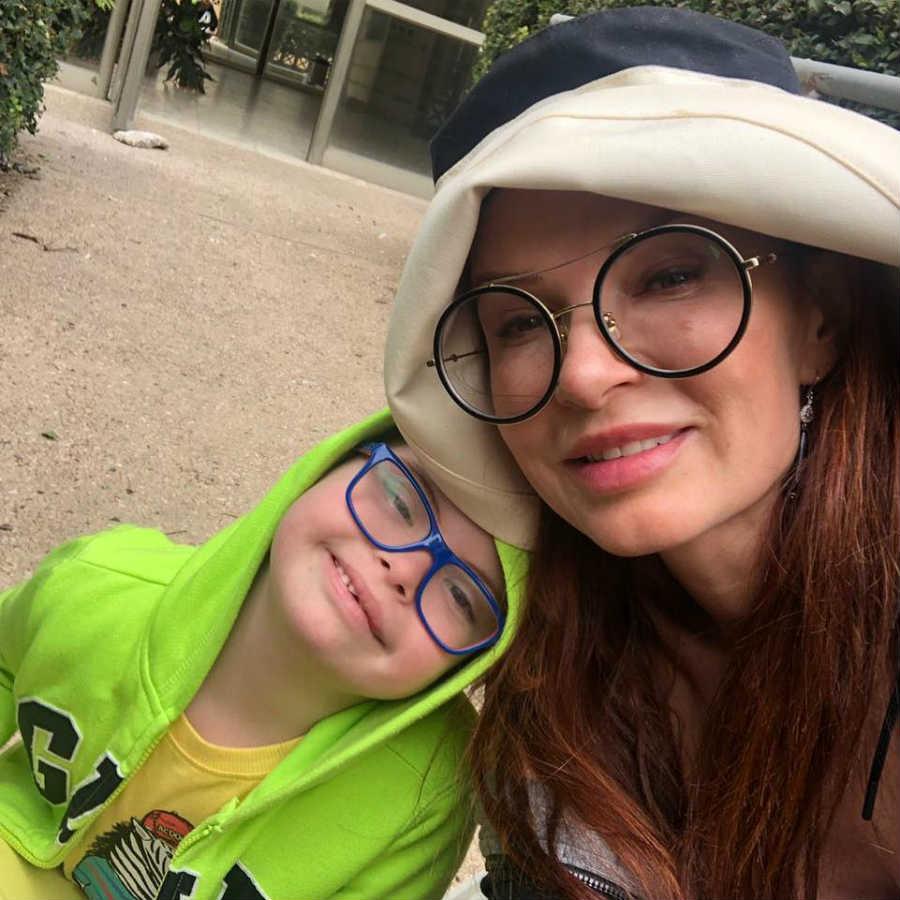 Эвелина Блёданс и сын Семен