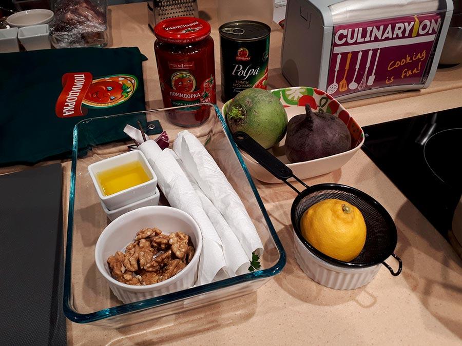 Салат из свеклы и редьки с грецким орехом, тархуном и кахетинским маслом