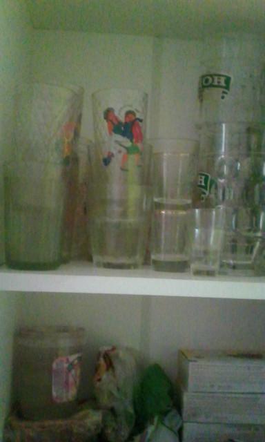 Стеклянная посуда в буфете. Блиц: из стекла