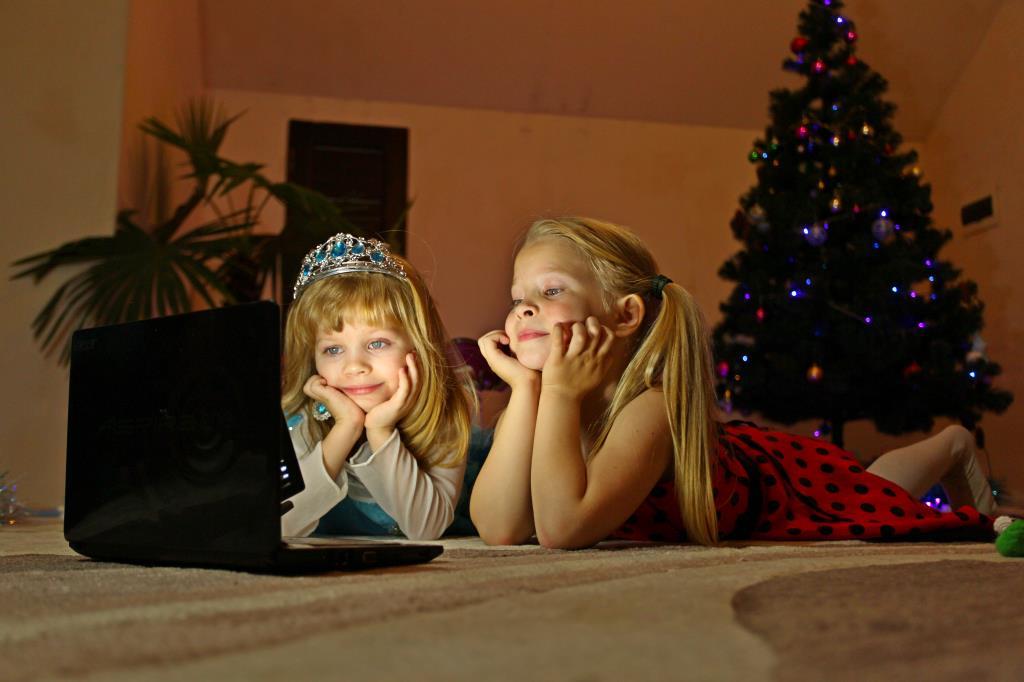 Новогодняя сказка перед сном. Гаджеты - с детства