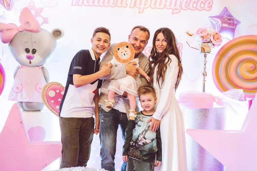 Нюша муж Игорь Сивов с детьми