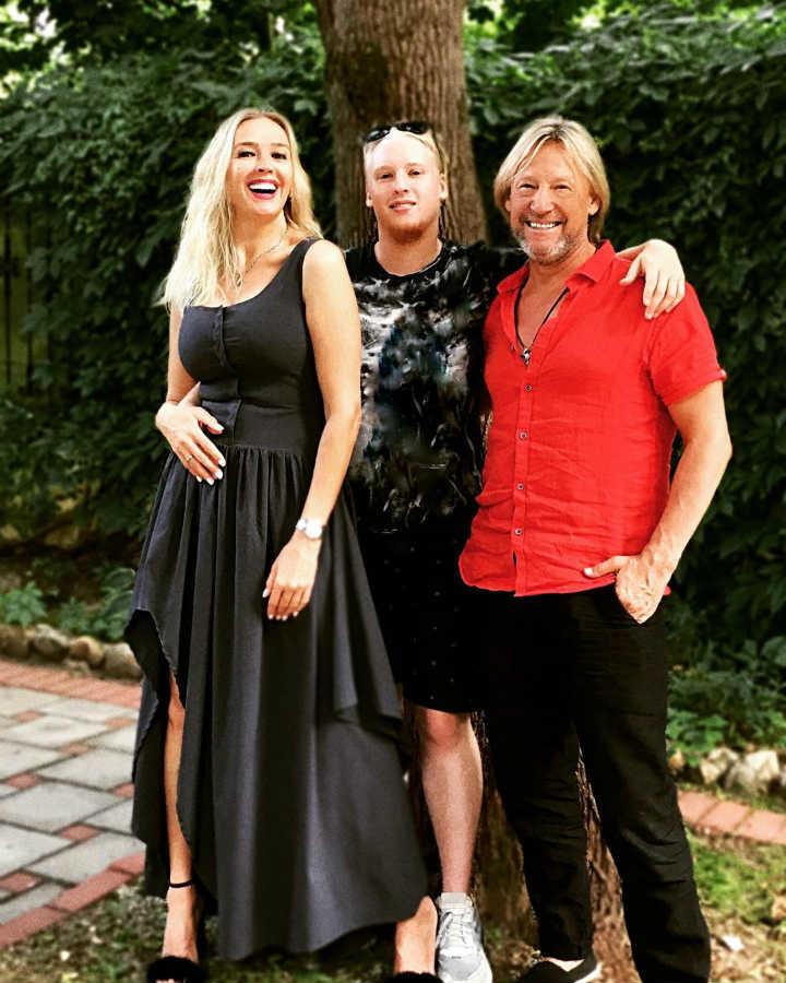 Дмитрий Харатьян жена сын