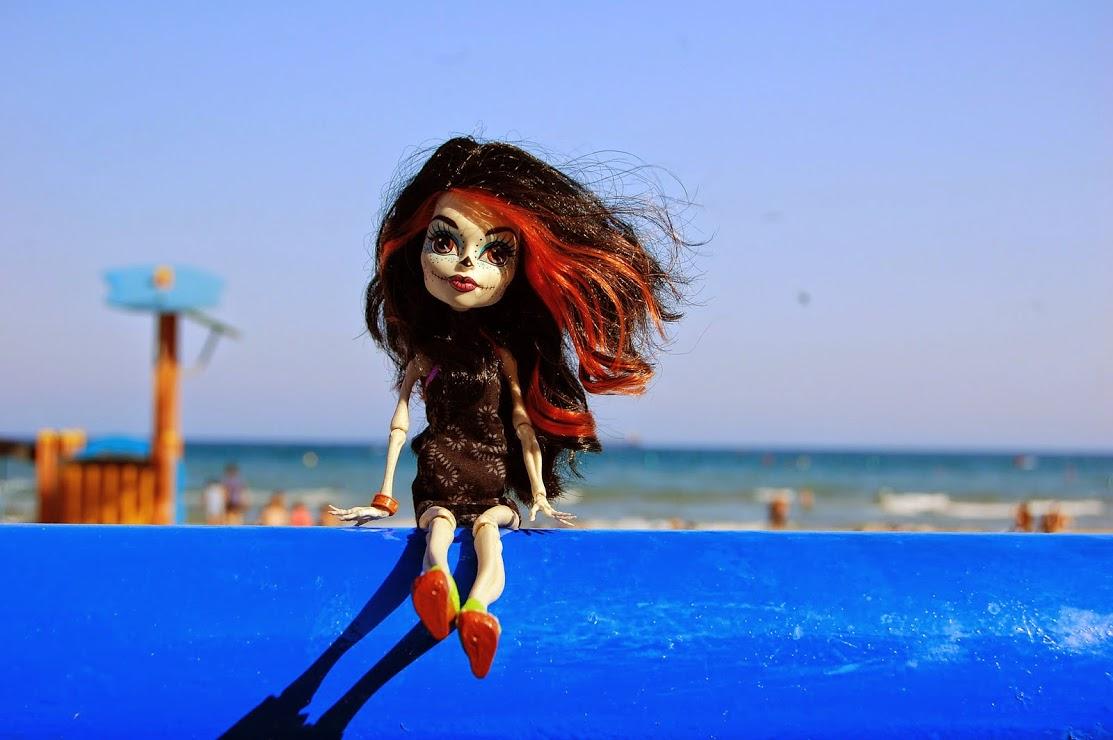 Скелита в отпуске). Блиц: стильная кукла