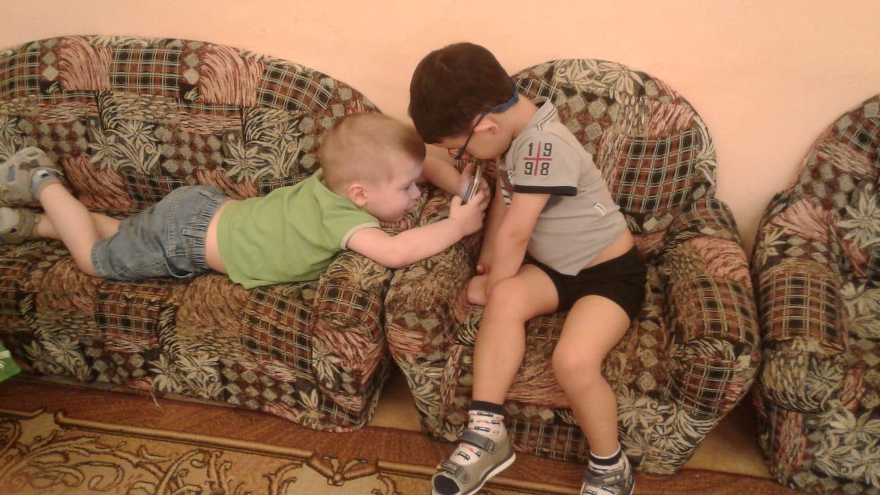 Будни в детском саду. Гаджеты - с детства