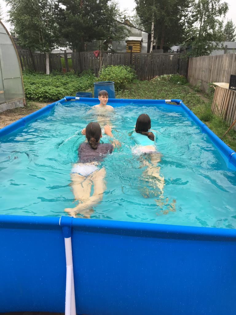 Пробуем плавать. Отдых у воды