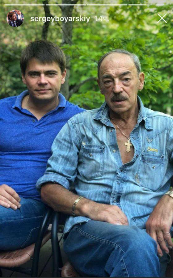 Михаил Боярский без шляпы с сыном Сергеем