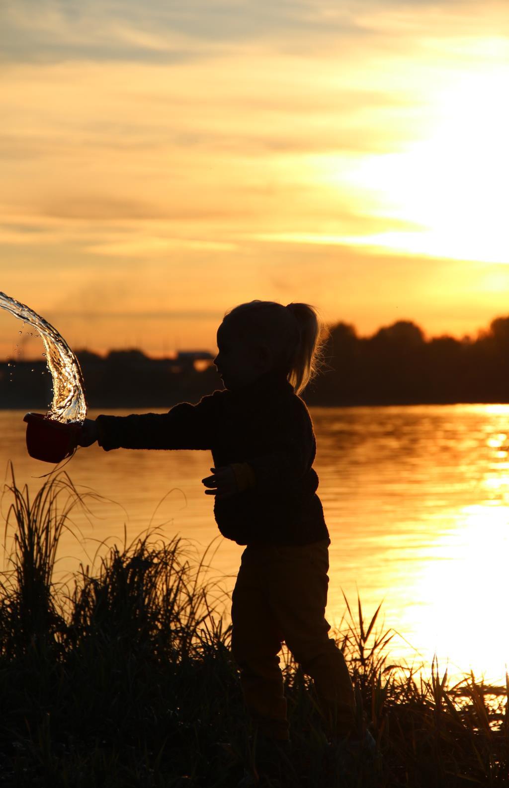 Игры на закате... Отдых у воды