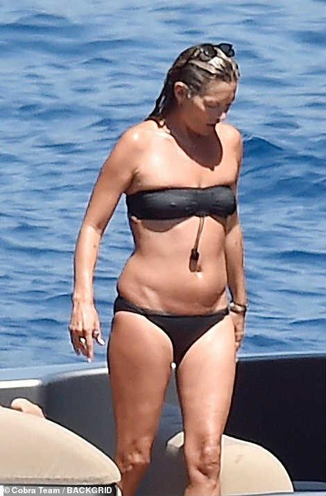 Кейт Мосс в купальнике