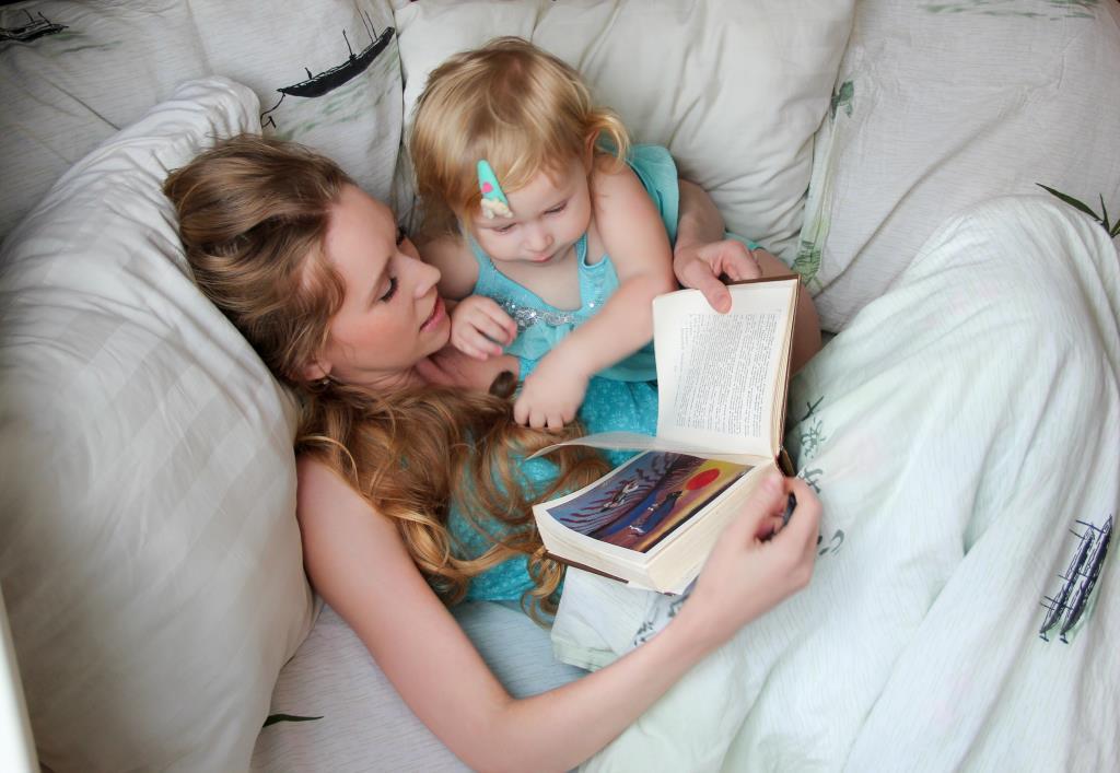 Сказки - любимое совместное занятие!. Вместе весело!