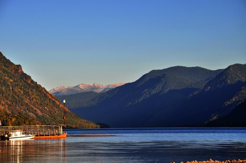 Осень озеро Телецкое. Блиц: яркая осень