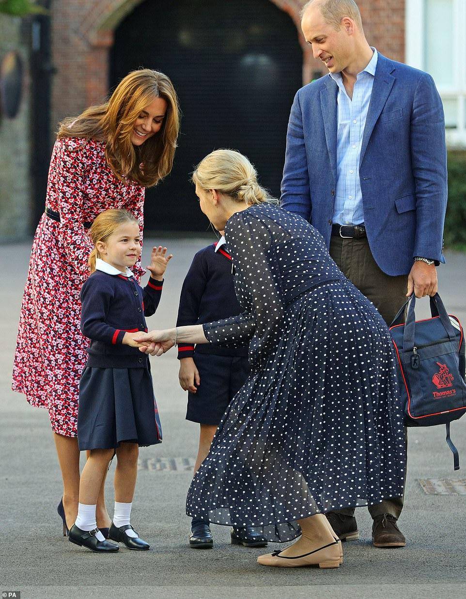 Кейт Миддлтон и принцесса Шарлотта школа