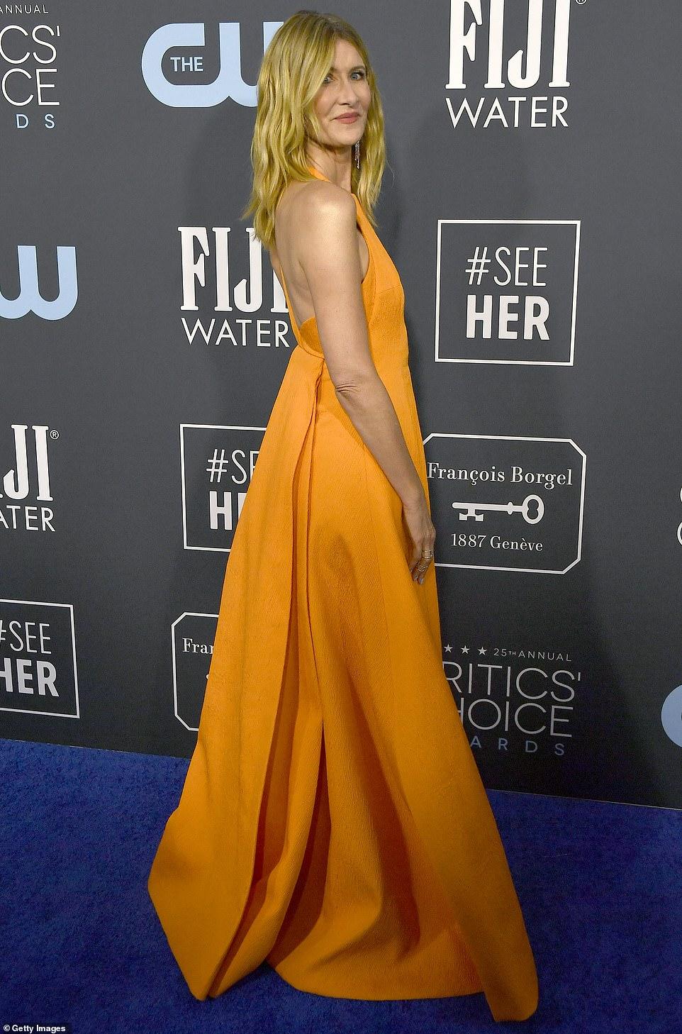 Лора Дерн премия Critics Choice Awards платье