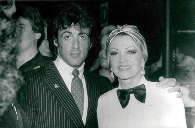 Сильвестр Сталлоне в молодости и мама Джеки