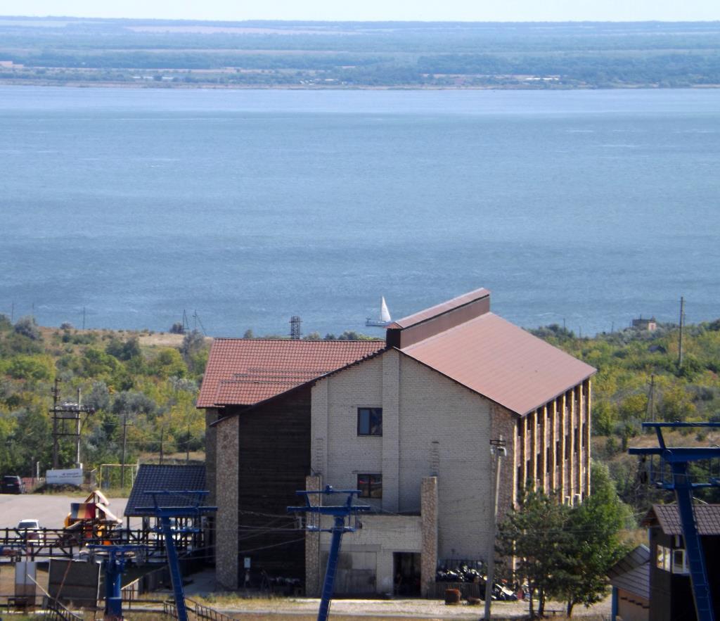 Горнолыжный курорт 'Хвалынский'. Блиц: вид сверху