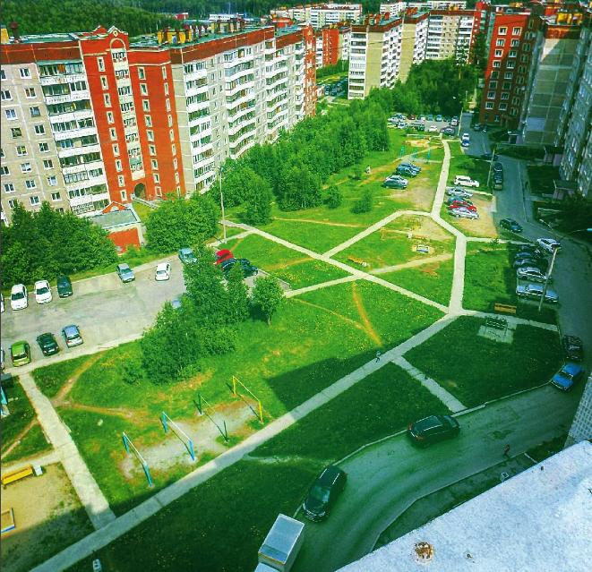 Новоуральск с балкона. Блиц: вид сверху