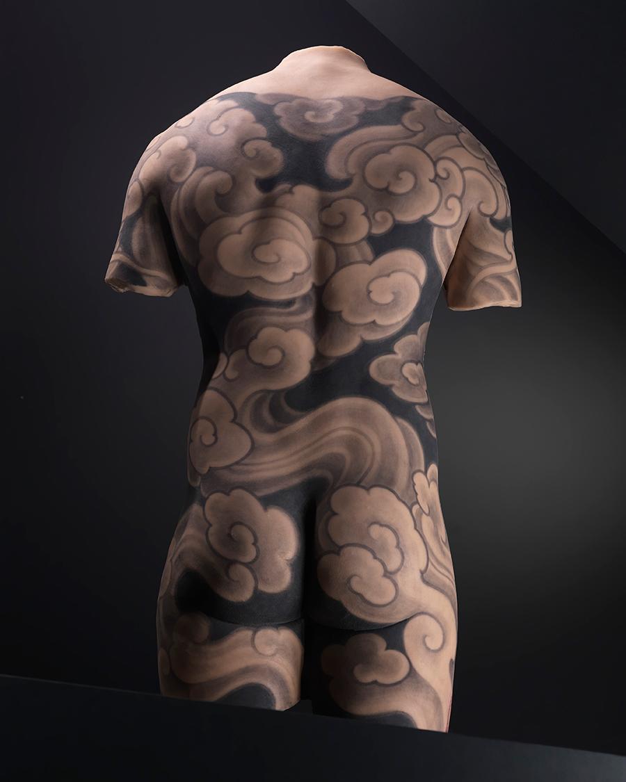 Тату-дизайн для мужского торса