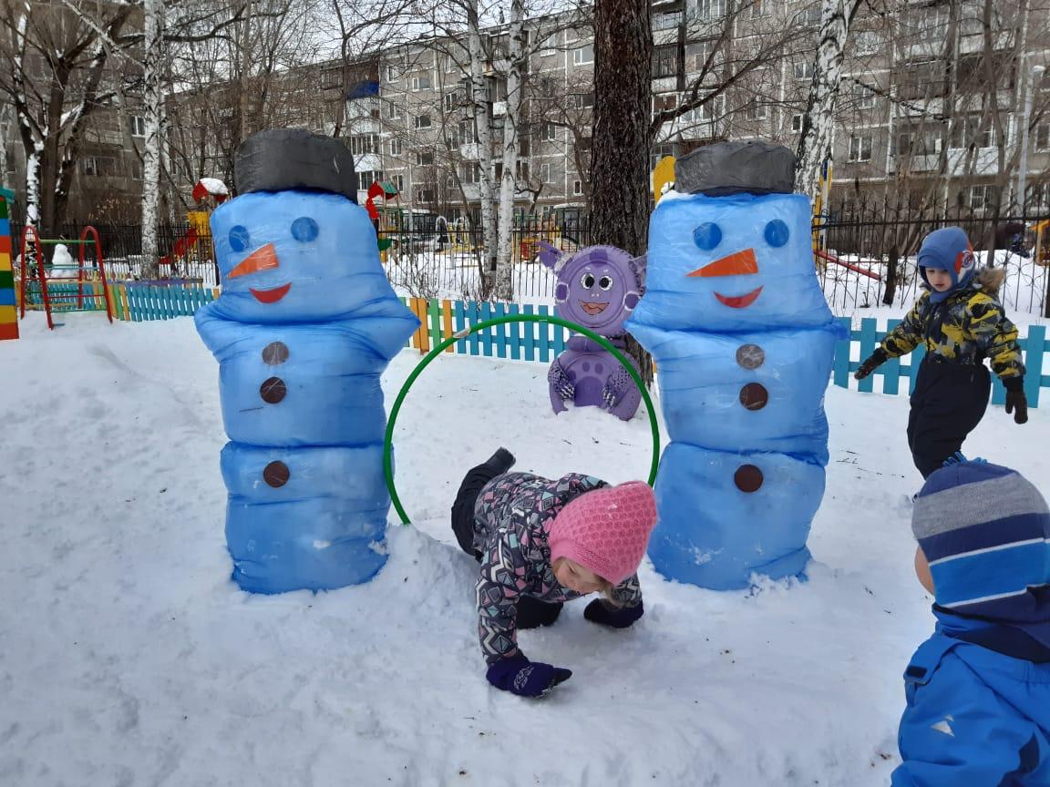 Яркие снеговики. Блиц: фигуры из снега