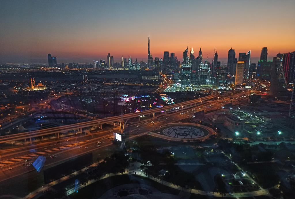 Ночной Дубай. Блиц: вид сверху