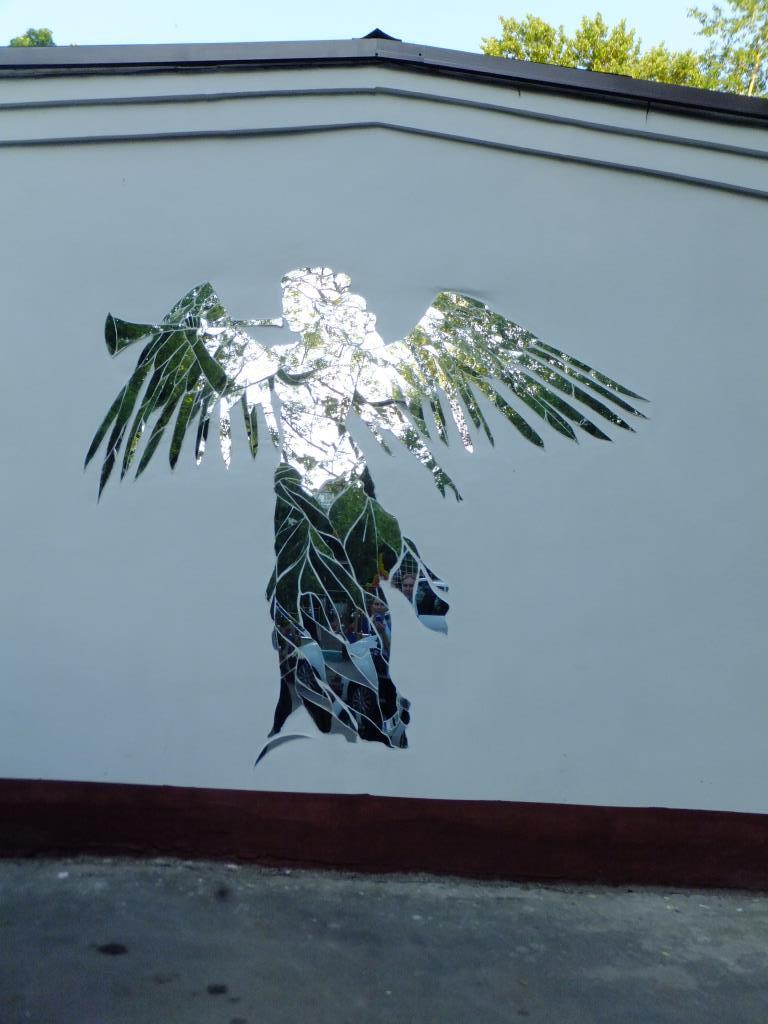 Богиня победы Ника в районе Аэропорт, Москва. . Блиц: современное искусство