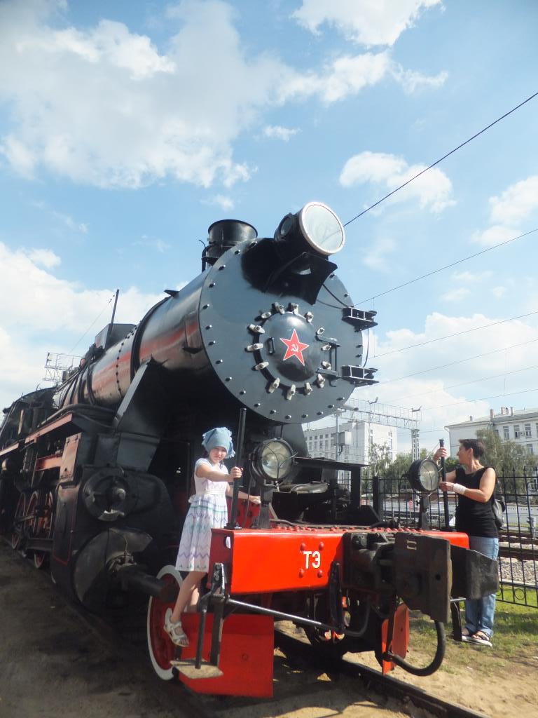Экспонаты паровозного депо 'Красный Балтиец'.. Блиц: железная дорога