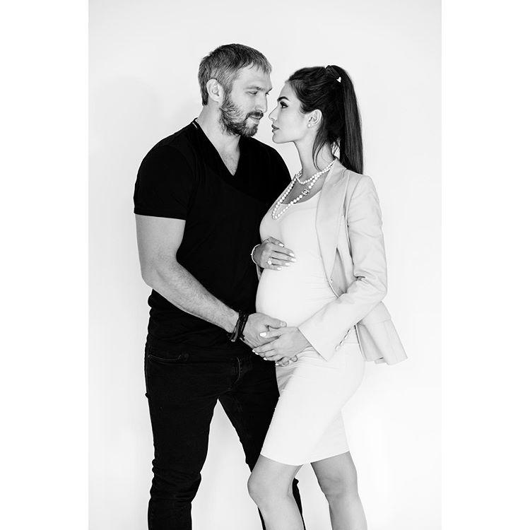 Александр Овечкин жена Шубская беременна