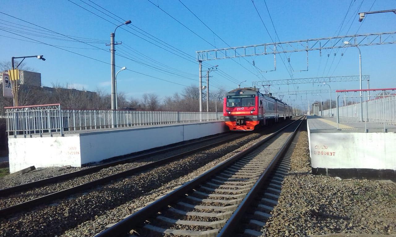 Станция 3-й км. Электричка 'Минводы-Кисловодск'. Блиц: железная дорога