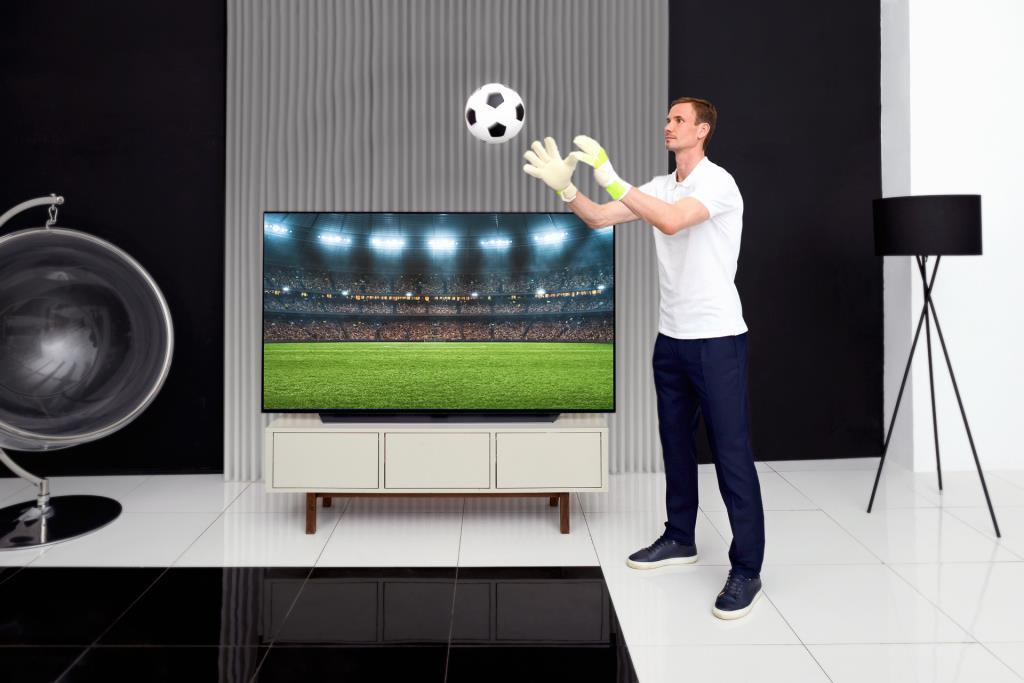 Сильные эмоции от ярких футбольных событий с новой серией телевизоров LG OLED C1