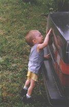 Кажется, машину надо помыть